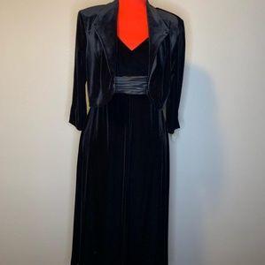 Dresses & Skirts - Black velvet dress with satiny sash and jacket